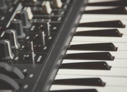 Mejor teclado MIDI y controladores baratos para tu estudio – Guías compra 2018